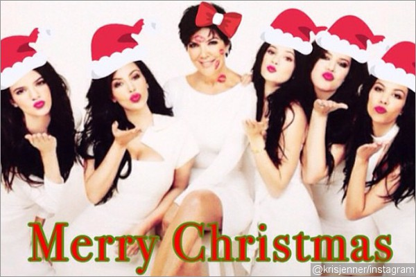 kris-jenner-shares-the-kardashian-family-christmas-photo